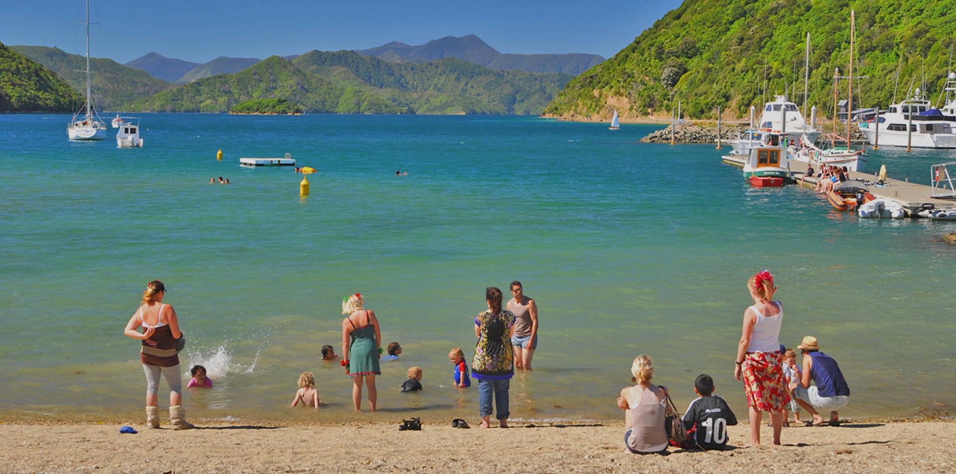 napier-familycentre-family-enjoying-beach